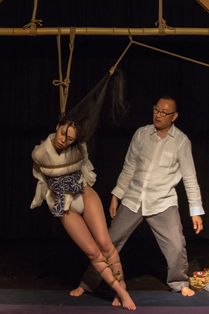 Akira Naka in Los Angeles Kinbaku Today 18