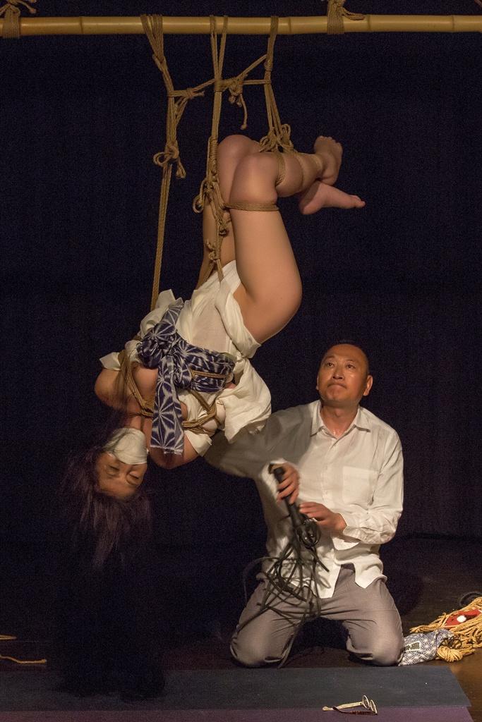 Akira Naka in Los Angeles Kinbaku Today 36