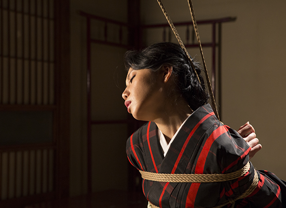 Interview:  Iroha Shizuki Kinbaku Today 3